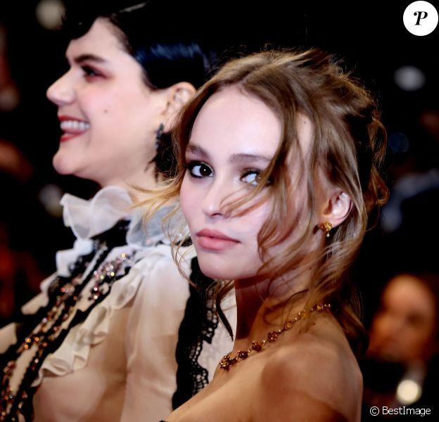 """Lily-Rose Depp - Montée des marches du film """"I, Daniel Blake"""" lors du 69ème Festival International du Film de Cannes. Le 13 mai 2016. © Borde-Jacovides-Moreau/Bestimage"""