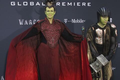 Jamie Lee Curtis et son fils déguisés pour Warcraft, volent la vedette aux héros
