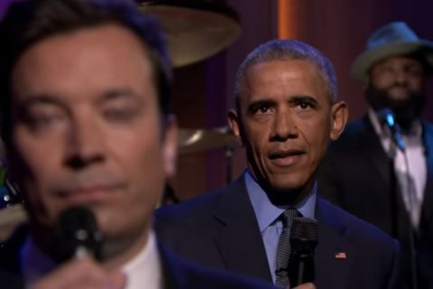 Barack Obama : Chez Fallon, il massacre Trump et dresse son bilan en chanson !