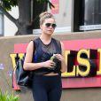Exclusif - Chrissy Teigen, deux mois après son accouchement se rend à son cours de gym à Los Angeles le 9 juin 2016.