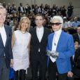 Bernard Arnault et sa femme Hélène, Robert Pattinson et Karl Lagerfeld au défilé Dior Homme prêt-à-porter masculin printemps-été 2017 au Tennis Club de Paris, le 25 juin 2016. © Olivier Borde/Bestimage