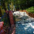 Endroit où Anton Yelchin a trouvé la mort devant son domicile à Los Angeles, le 19 juin 2016.