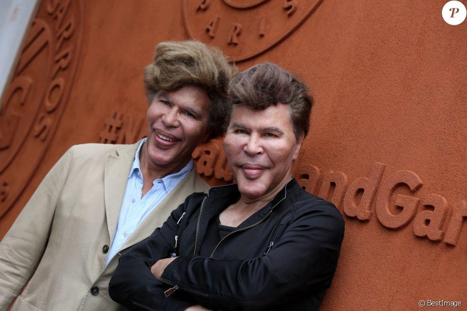 Les frères Igor et Grichka Bogdanov au village lors du Tournoi de Roland-Garros (les Internationaux de France de tennis) à Paris, le 28 mai 2016. © Dominique Jacovides/Bestimage