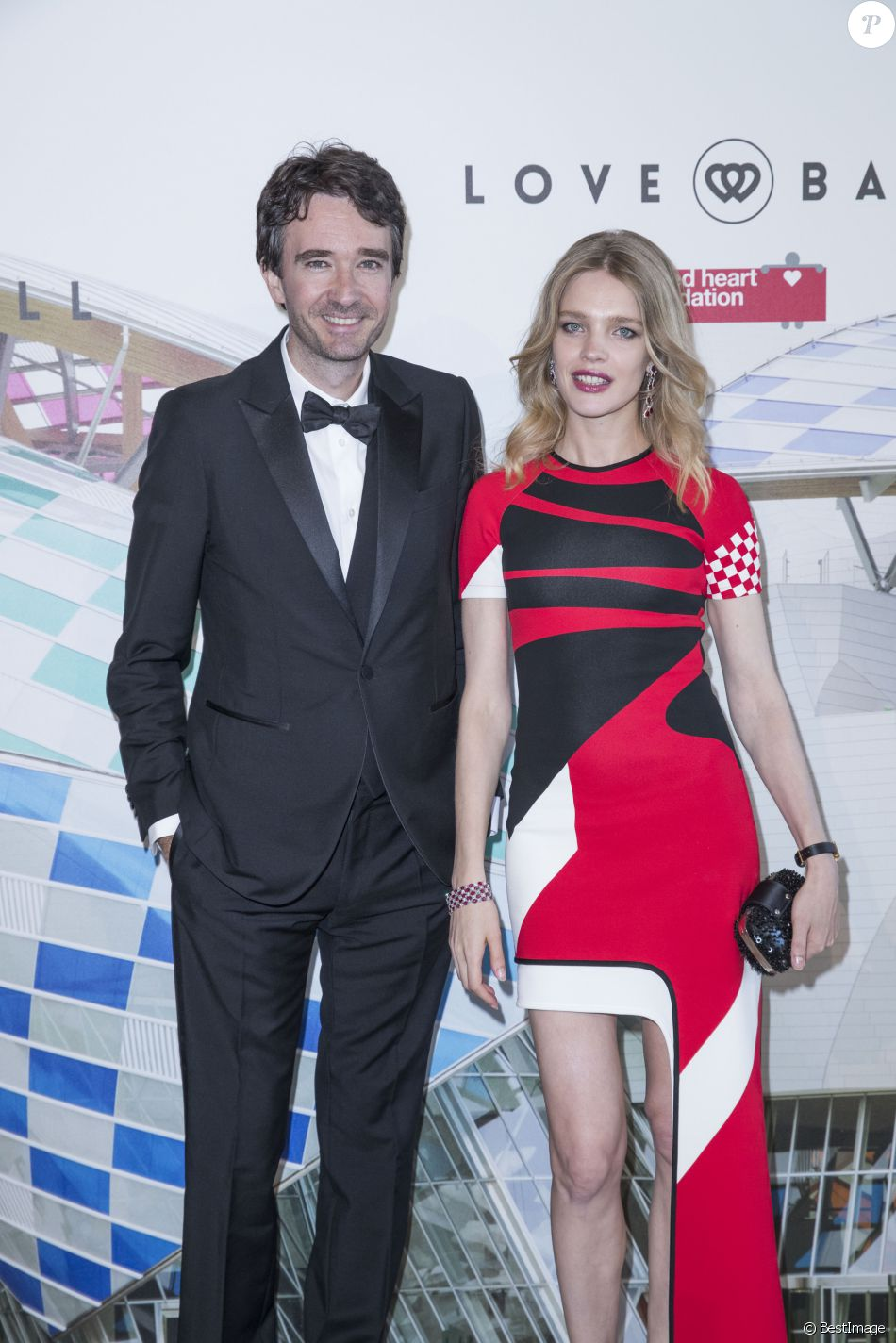 "Antoine Arnault et sa compagne Natalia Vodianova - Photocall de la soirée ""The Art of Giving"" Love Ball à la Fondation Louis Vuitton à Paris le 6 juillet 2016. © Olivier Borde / Bestimage  'The Art of Giving' Love Ball Naked Heart foundation : Photo Call as part of Paris Fashion Week on July 6, 2016 in Paris, France.06/07/2016 - Paris"