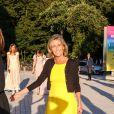 """Claire Chazal - Arrivées des people à la soirée """"The Art of Giving"""" Love Ball à la Fondation Louis Vuitton à Paris le 6 juillet 2016."""