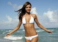 REPORTAGE PHOTOS : Miranda Kerr trop belle, un show à elle toute seule... sur la plage !