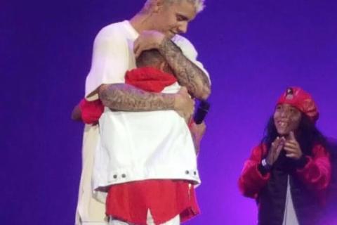 """Justin Bieber refroidit ses fans : """"Vos cadeaux, je n'en veux sûrement pas"""""""