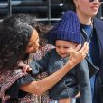 Thandie Newton prend un taxi avec son fils Booker à New York, le 24 avril 2015.