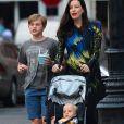Liv Tyler avec ses enfants, Milo et Sailor, à New York le 23 juin 2016.