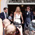 Mario Gomez et Carina Wanzung se sont mariés civilement le 22 juillet 2016 à Munich. La fusillade meurtrière qui a eu lieu quelques minutes plus tard dans la capitale bavaroise les a poussés à annuler la réception prévue dans la soirée.