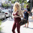 Courtney Stodden, enceinte, et Plastic Martyr font du shopping à Beverly Hills le 7 juillet 2016.