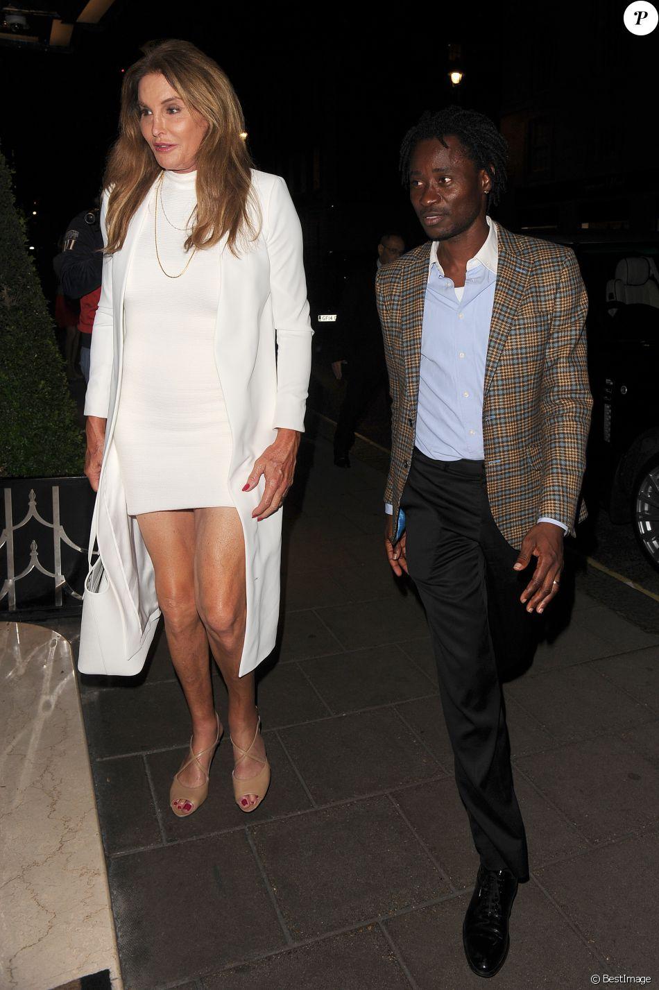 Caitlyn Jenner va au casino avec un ami à Mayfair. Londres, le 28 juillet 2016