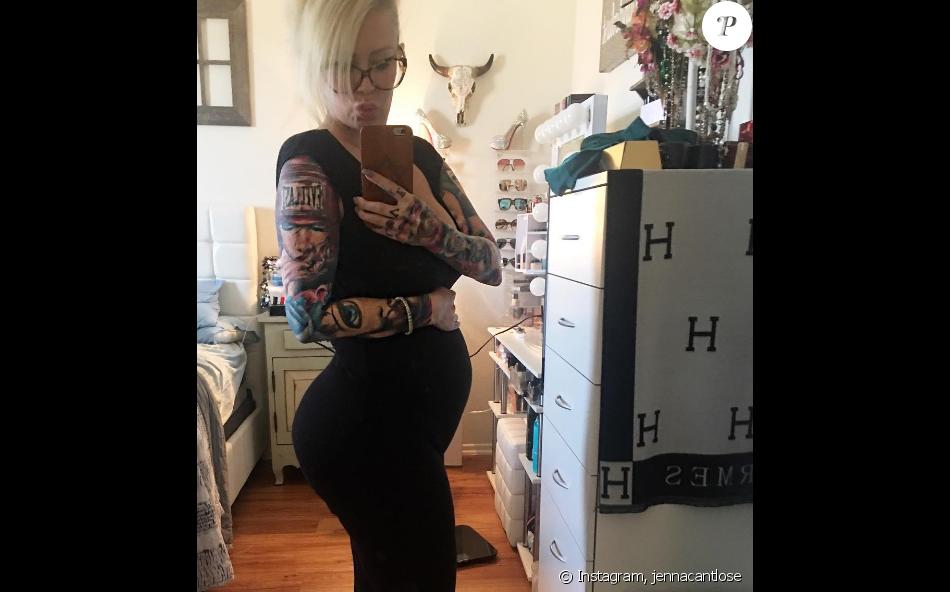 Jenna Jameson a annoncé sa grossesse sur les réseaux sociaux. Elle est enceinte de son 3e enfant. Photo publiée sur Instagram, le 4 août 2016