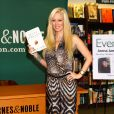 """L'ancienne star du porno Jenna Jameson fait la promotion de son livre """"Sugar"""" chez Barnes & Noble a New York. Le 22 octobre 2013"""