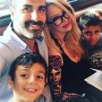 Jenna Jameson et ses enfants, Journey et Jesse, ainsi que son fiancé Lior Bitton. Photo publiée sur Instagram au mois de juin 2016