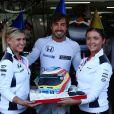 Fernando Alonso fêtant son 35e anniversaire (29 juillet 2016) lors du Grand Prix d'Allemagne. © Photo4 / LaPresse 29/07/2016 Hockenheim