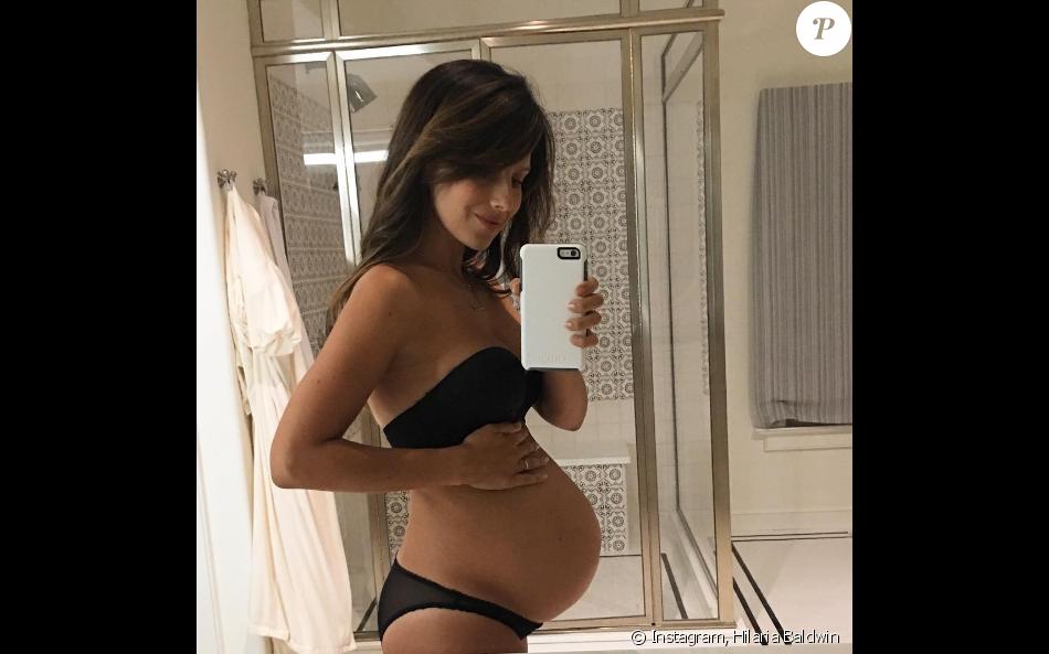 masturbation enceinte fille en sous vetement sexy