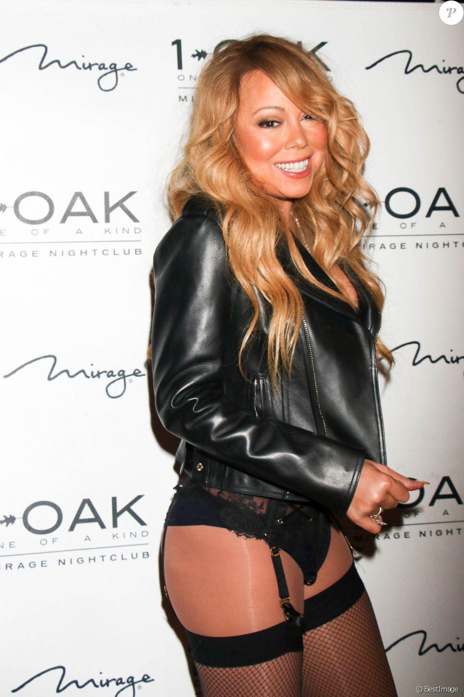 Mariah carey v tue de porte jarretelles lors de la soir e for Porte jarretelle h m