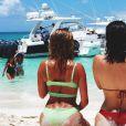 Kylie Jenner et Bella Hadid en vacances sur les Îles Turques-et-Caïques (Instagram le 10 août 2016).