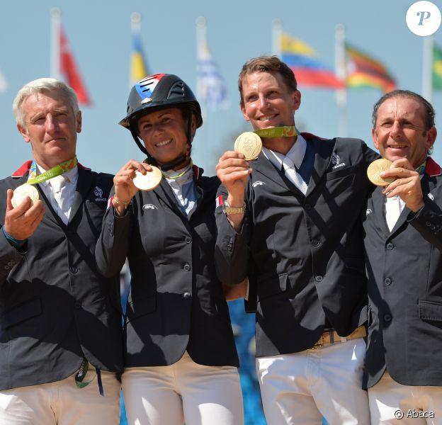 Roger-Yves Bost (qui montait Sydney Une Prince), Pénélope Leprevost (Flora de Mariposa), Kevin Staut (Rêveur de Hurtebise) et Philippe Rozier (Rahotep de Toscane) ont remporté le titre olympique du saut d'obstacles par équipe le 17 août 2016 aux Jeux olympiques de Rio de Janeiro. Une première depuis 1976 !
