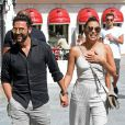Eva Longoria et son mari Jose Antonio Baston se baladent et font du shopping à Marbella, Espagne, le 18 juillet 2016.