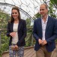 Kate Middleton et le prince William lors de leur visite de l'Eden Project, un complexe environnemental en Cornouailles, le 2 septembre 2016.
