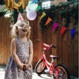 Coeur de Pirate a dévoilé des photos de l'anniversaire de sa fille Romy, sur Instagram. Août 2016. La jeune fille a eu droit à un vélo !