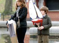 REPORTAGE PHOTOS : Natalie Portman, sexy en slim et bottes à talons, joue à 'maman les ptits bateaux' !