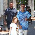 Justin Bieber fait du shopping avec sa petite soeur Jazmyn et lui achète une poupée chez American Girls à Los Angeles le 2 septembre 2016