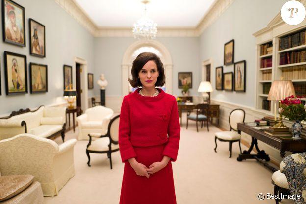 La première photo de Natalie Portman en Jackie Kennedy pour le film de Pablo Larraín, le 16 décembre 2015.