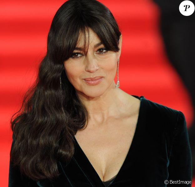 """Monica Bellucci - Première mondiale de James Bond """"Spectre"""" au Royal Albert Hall à Londres le 26 octobre 2015."""