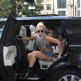 Lady Gaga visite les studios de Radio 1, Kiss FM et achète ensuite un menu chicken chez Nandos à Londres, le 9 septembre 2016