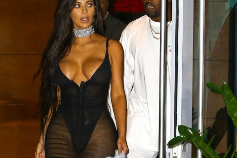 Kim Kardashian, ça balance : Ses abdos en béton sont complètement bidons