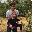 Jared Kushner, le mari d'Ivanka Trump et leurs enfants cueillent des pommes dans le New Jersey. Photo publiée sur Instagram au mois de septembre 2016