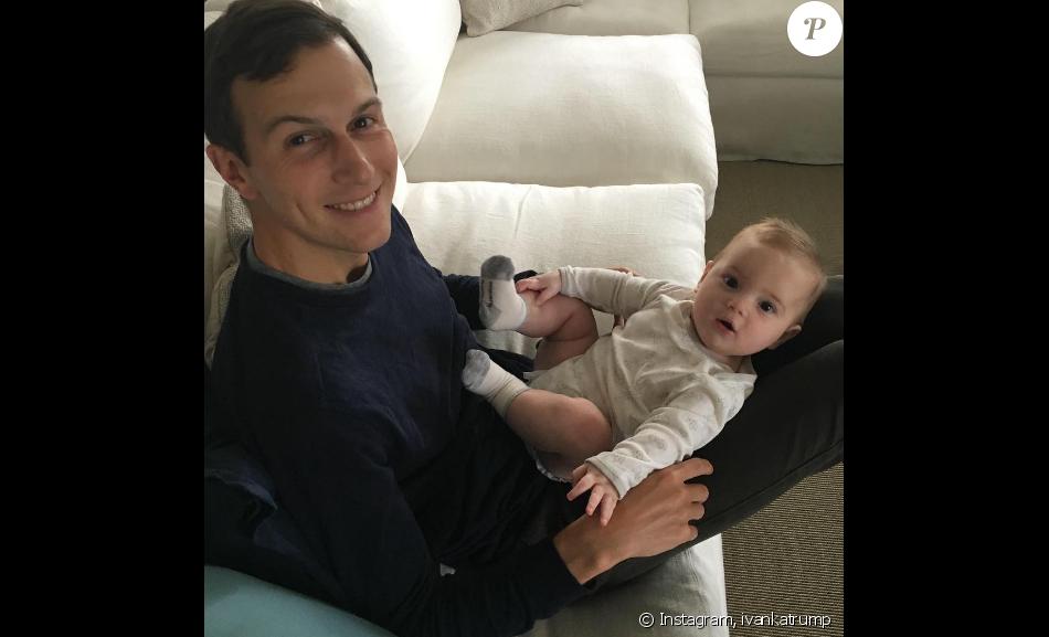 Ivanka Trump a posté une photo de son mari Jared Kushner et leur plus jeune fils Theodore James. Photo publiée sur Instagram au mois de septembre 2016.