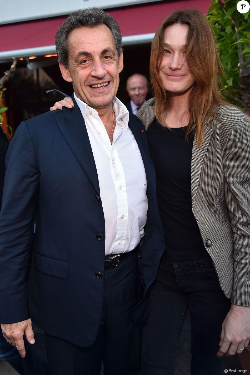 """Semi-Exclusif - Nicolas Sarkozy et sa femme Carla Bruni-Sarkozy sont allés diner au restaurant """"La Petite Maison"""" après avoir participé aux Journées d'études du Parti Populaire Européen à l'hôtel Méridien à Nice, le 1er juin 2016."""