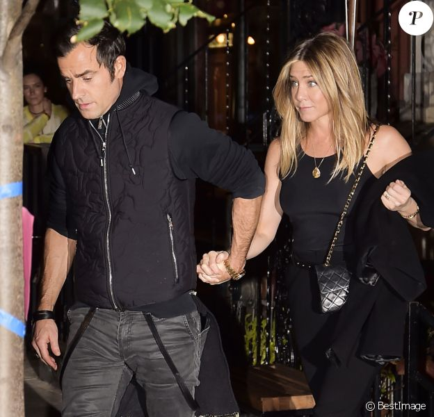 Jennifer Aniston et son mari Justin Theroux à la sortie du restaurant Smile à New York, le 24 septembre 2016.