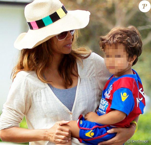 Exclusif - Halle Berry emmène son fils Maceo jouer au football à Hollywood, le 12 septembre 2016.