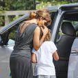 Exclusif - Halle Berry va chercher sa fille Nahla chez des amis à Los Angeles, le 12 septembre 2016.12/09/2016 - Los Angeles