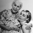 Emmanuelle Béart et sa grand-mère Nelly. Photo postée via Instagram le 25 septembre 2016.