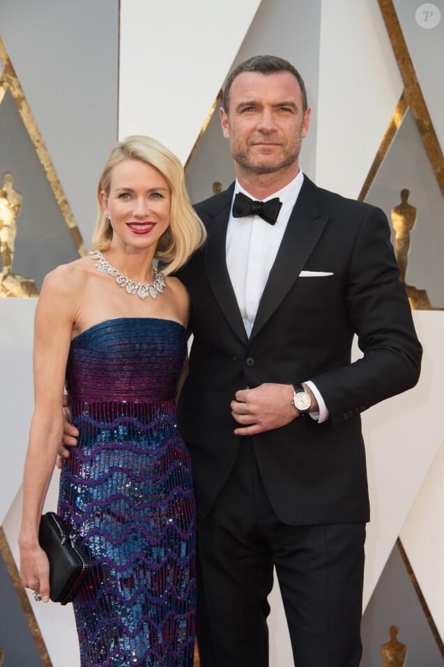 Naomi Watts et son compagnon Liev Schreiber - Photocall de la 88e cérémonie des Oscars au Dolby Theatre à Hollywood. Le 28 février 2016