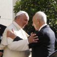 Le pape François, Shimon Peres - Les présidents israélien et palestinien réunis autour du pape François au Vatican à Rome en Italie, le 8 juin 2014.