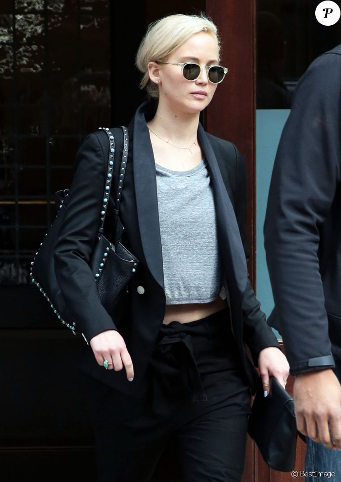Jennifer Lawrence Quitte Son H 244 Tel 224 New York Le 26 Mars