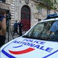 La Police Technique et Scientifique quitte l'hôtel de Pourtalès où Kim Kardashian a été attaquée par des assaillants armés et déguisés en policiers. Paris le 3 octobre 2016.