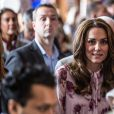 Kate Middleton le 10 octobre 2016 lors de rencontres dans le cadre de la Journée mondiale de la santé mentale. © Doug Peters/PA Wire/ABACAPRESS.COM