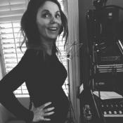 Geri Halliwell enceinte et en studio : L'ex-Spice Girl dévoile son baby bump