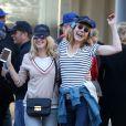 """Ludivine Sagnier et Julie Depardieu lors du traditionnel remake du célèbre film de Louis Lumière de 1895 """"La Sortie de l'usine Lumière à Lyon"""" à l'occasion du 8ème Festival Lumière à Lyon, le 15 octobre 2016"""