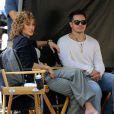 """Casper Smart rejoint sa compagne Jennifer Lopez sur le tournage de la série """"Shades of Blue"""" à New York, le 11 juillet 2016. Casper se déplace à l'aide d'une canne."""
