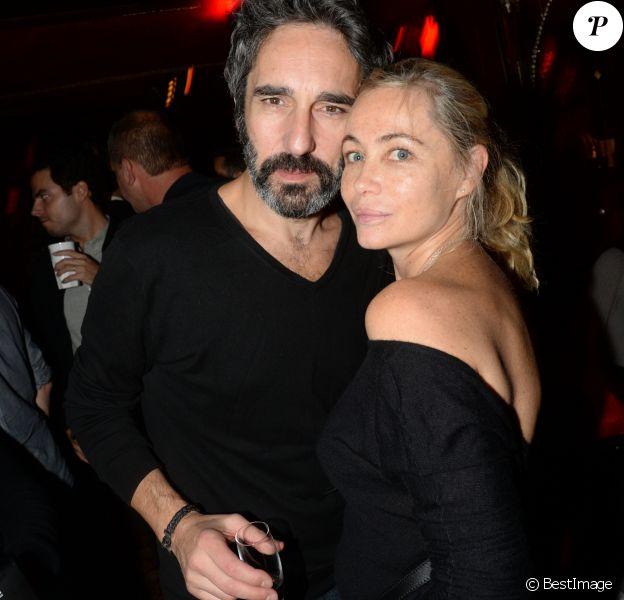 """Emmanuelle Béart et son compagnon Frédéric - After-party du film """"L'invitation"""" au Raspoutine à Paris, le 17 octobre 2016. © Rachid Bellak/Bestimage"""