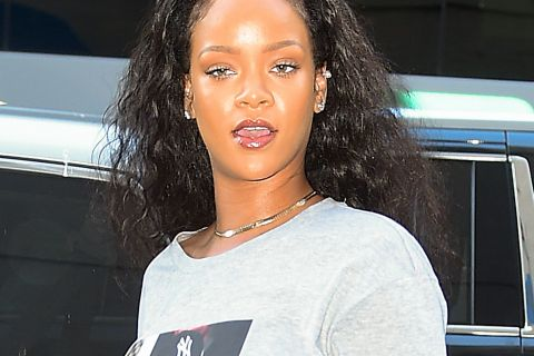 Rihanna ne se ruine pas pour soutenir Hillary Clinton...